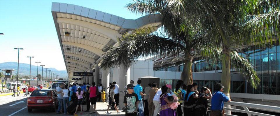 costarica-airport2